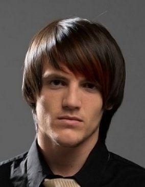 Asymmetric-medium-long-hairstyles-for-men frisure
