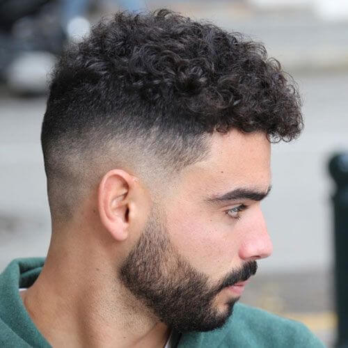 Bald-Fade-med-en-Bushy-Beard