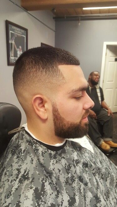 Bald-Fade-med-en-Platinum-Top