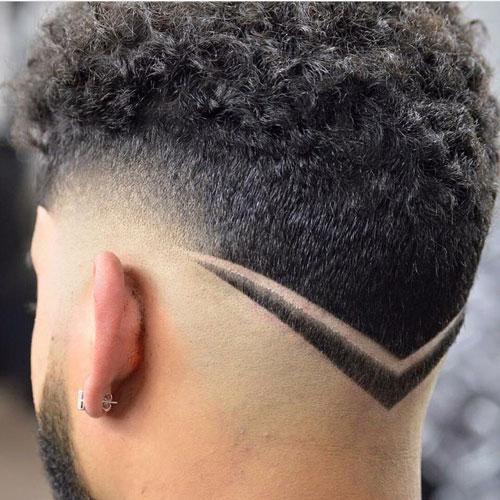 Krøllet-hår-med-en-V-form