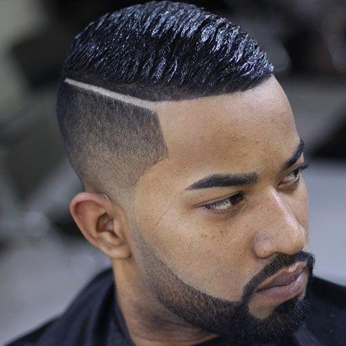 Barberet Side og Lavt Fade Haircut til Black Men