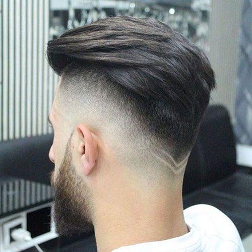 Pompadour Haircut med V-formet underskæring