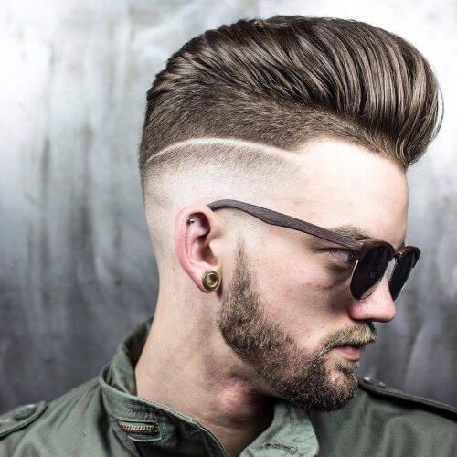 Pompadour Haircut med barbering kontraster