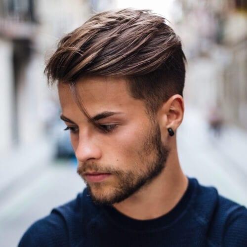 Raked Tilbage Pompadour Haircut