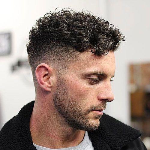 Rystet kort krøllet hårsnit