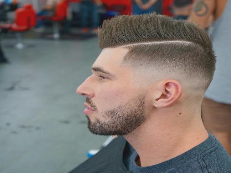 Ukonventionelle korte frisyrer til mænd